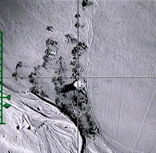 الطيران الروسي يدمر خزانات نفطية لـداعش بريف حلب