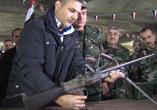 الجيش والشعب في سوريا يتدربان كتفا لكتف