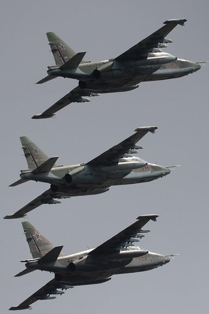 الطائرات الهجومية سو- 25