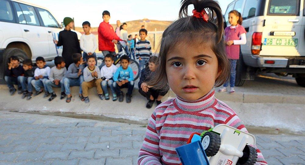 طفلة سورية لاجئة