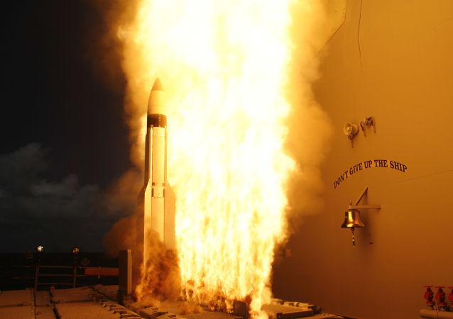 إطلاق صاروخ أمريكي من نوع ستاندارت