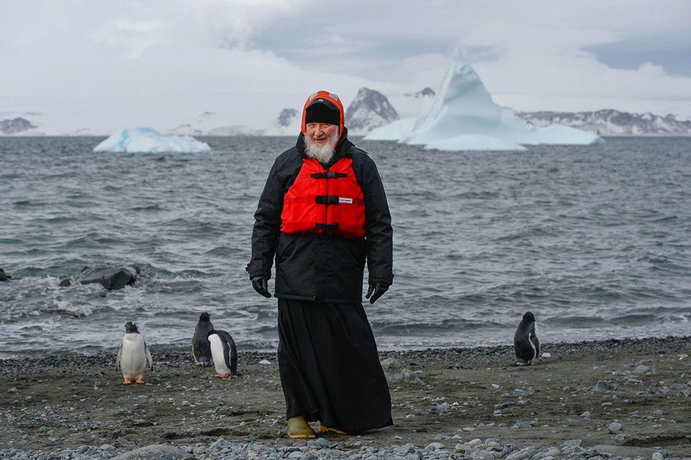 زيارة كيريل الأول أسقف الكنيسة الروسية الأرثوذكسية وبطريرك موسكو وعموم روسيا إلى المحطة الروسية في أنتاركتيكا