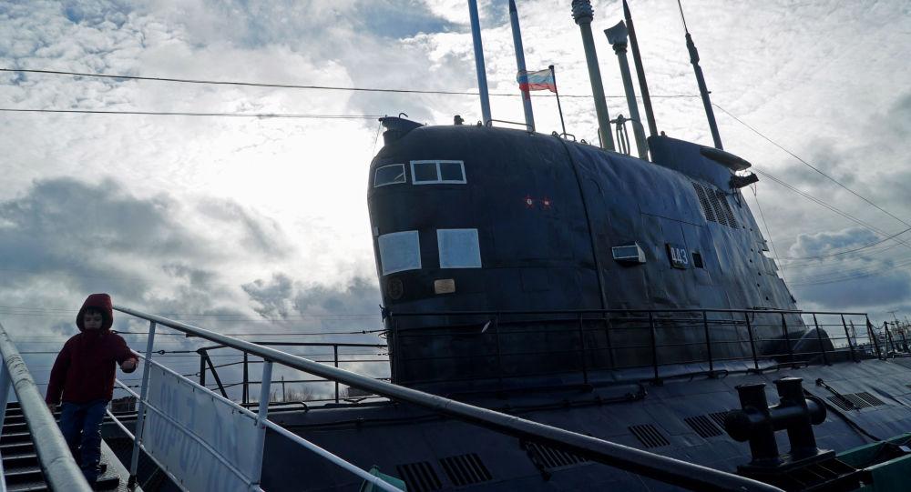 الغواصة الروسية ب-413 في متحف المحيط العالمي في كالينينغراد