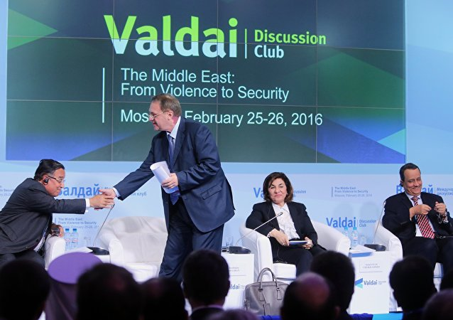 نائب وزير الخارجية الروسي ميخائيل بوغدانوف ومستشارة الرئيس السوري بثينة شعبان