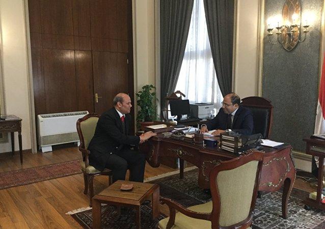 المستشار أحمد أبو زيد المتحدث باسم الخارجية المصرية مع مراسل سبوتنيك