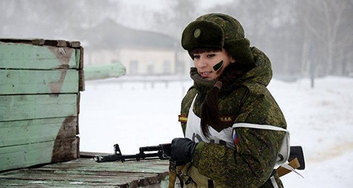 قوة مجندات الجيش الروسي في مركز قوات الصواريخ الاستراتيجية