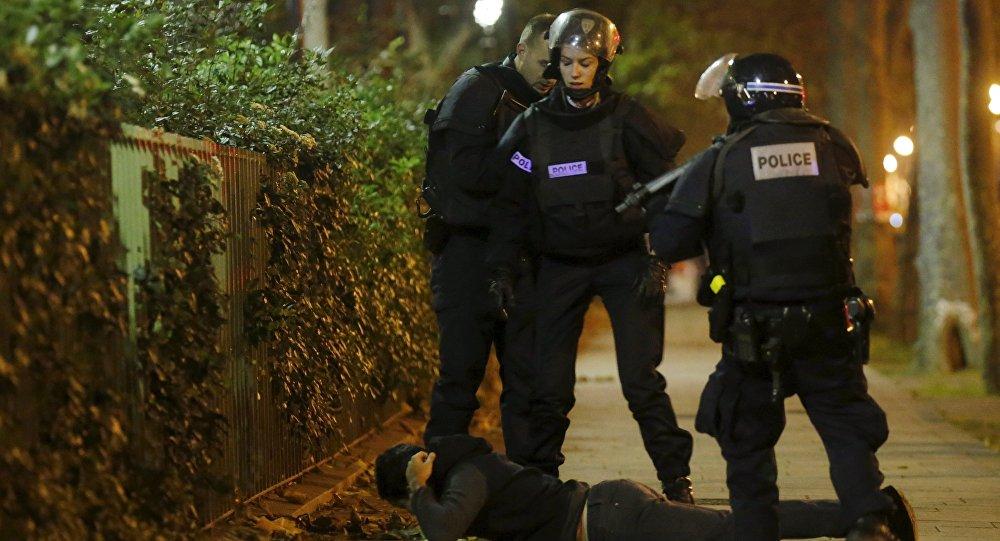 اعتقال مشتبه به على إثر هجمات باريس