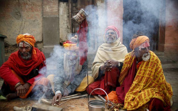 اكتشاف معبد تاريخي غارق في نهر بالهند يعود إلى نحو 500 عام.. فيديو