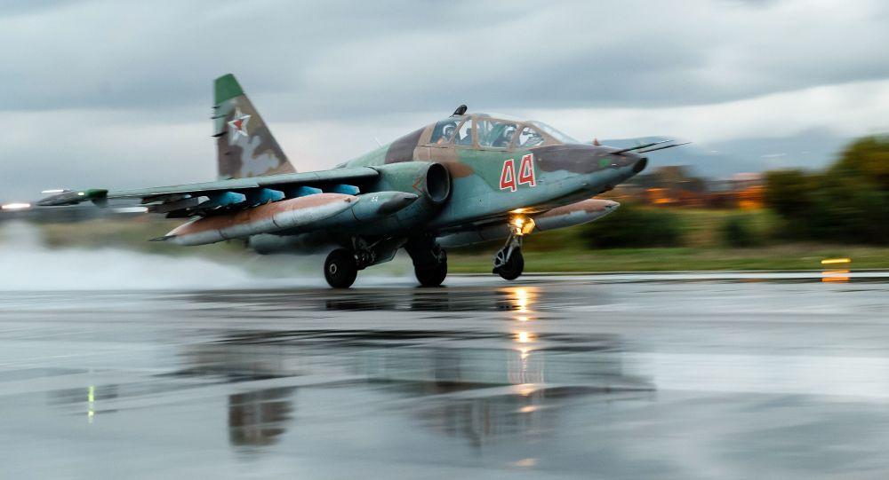 طائرة روسية في مطار حميميم