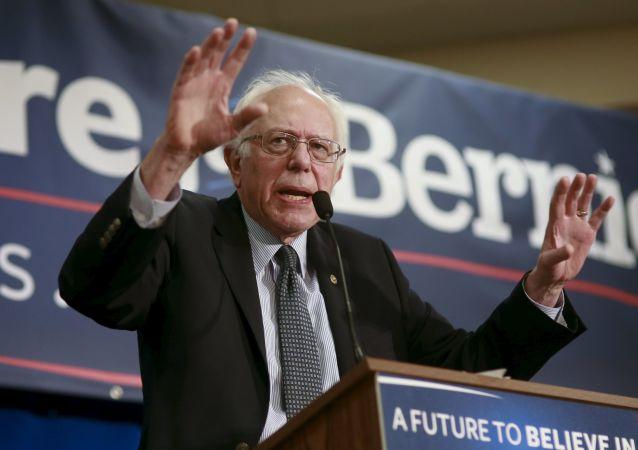 المرشح الديمقراطي المحتمل بيرني ساندرز