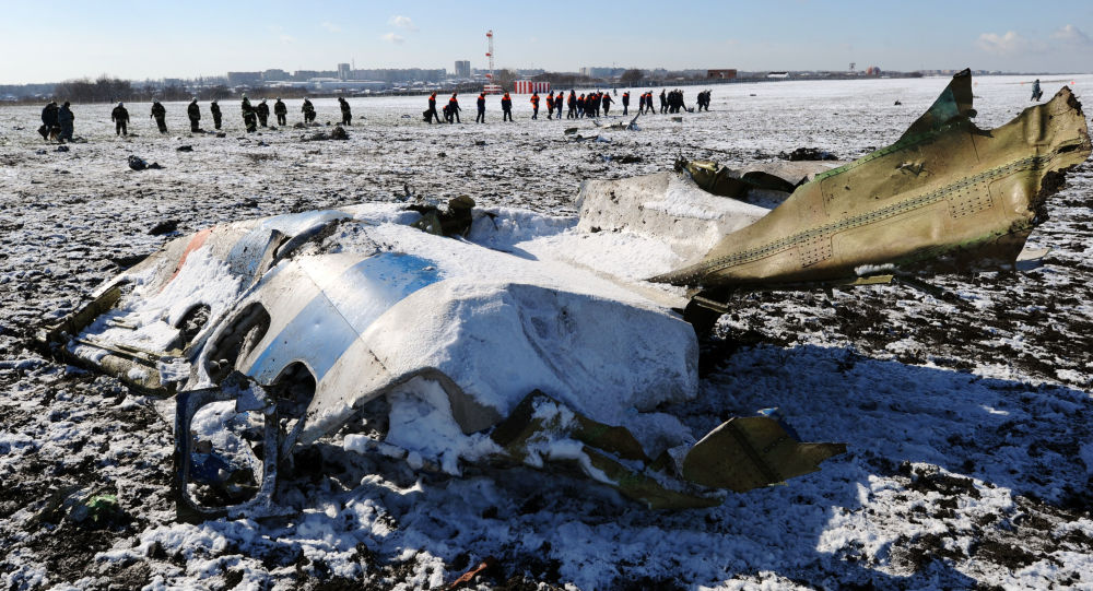 موقع تحطم الطائرة الإماراتية فلاي دبيBoeing-737-800 في روستوف نادونو، روسيا.