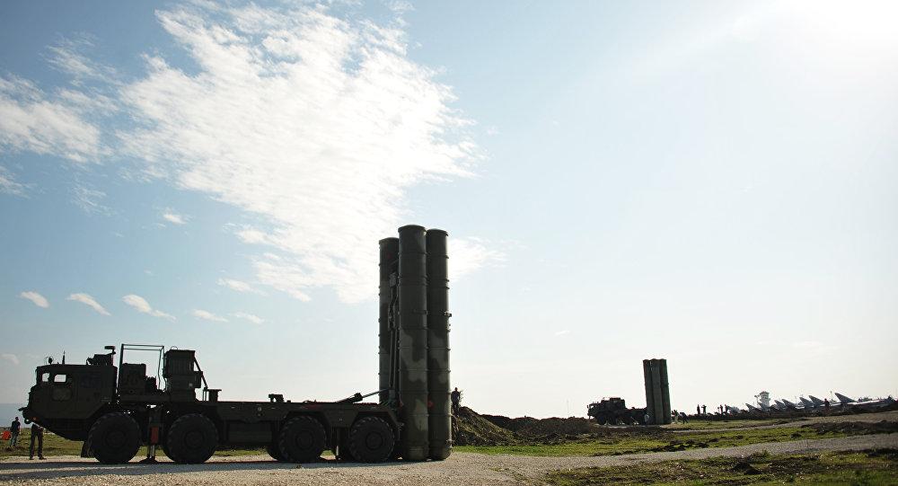 المنظومة المضادة للطيران الروسية  أس - 400 في قاعدة حميميم