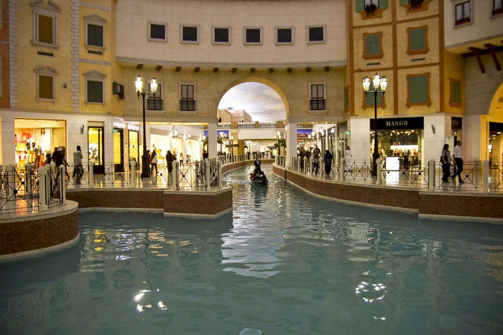 المركز التجاري المشهور Villagio Mall بالدوحة في قطر.