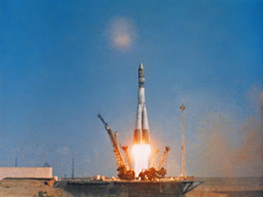 إنطلاق المركبة الفضائية فوستوك-1