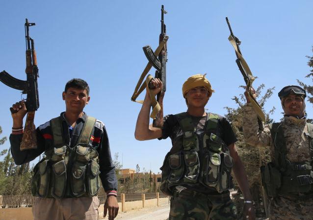 أفراد من الجيش السوري
