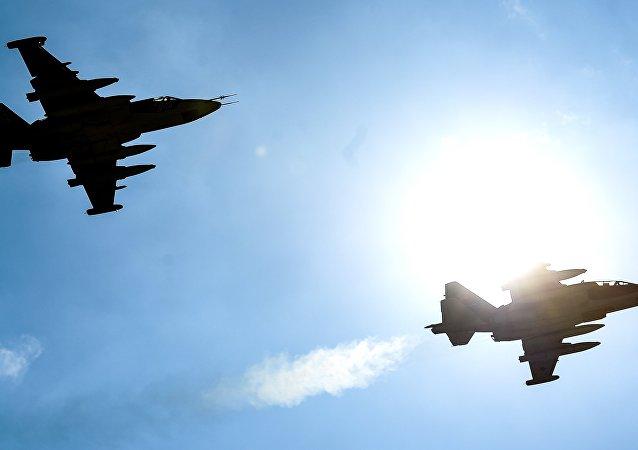 مقاتلتان قاذفتان من طراز سو-25