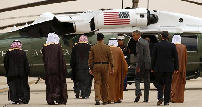 وصل الرئيس الأمريكي باراك أوباما، الأربعاء، إلى العاصمة السعودية الرياض، للمشاركة في القمة التي تعقدها دول مجلس التعاون الخليجي.