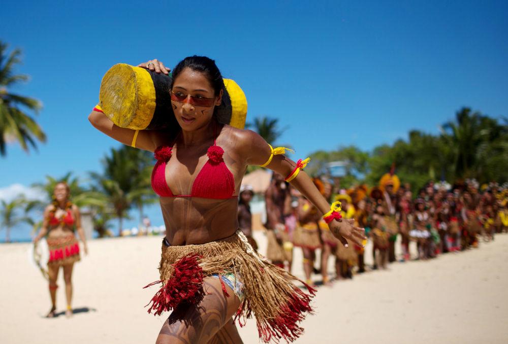 متسابقة برازيلية في ألعاب الشعوب الأصليون في سانتا-كروز-دي-كابراليا، البرازيل 18 أبريل/ نيسان 2016.