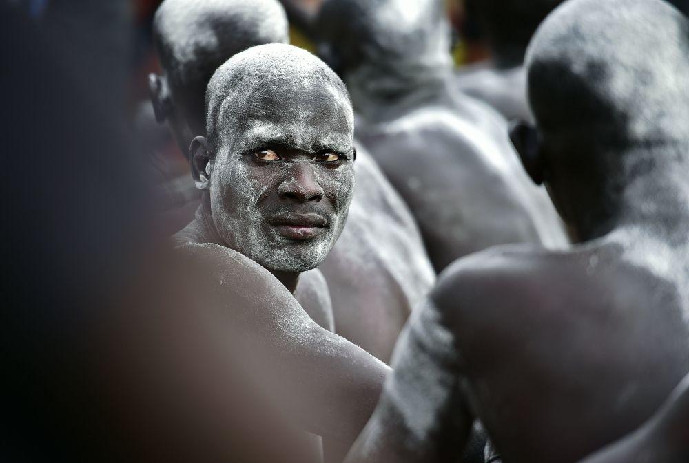 مشارك سوداني في مسابقة للمصارعة بجوبا في جنوب السودان، 19 أبريل/ نيسان 2016.