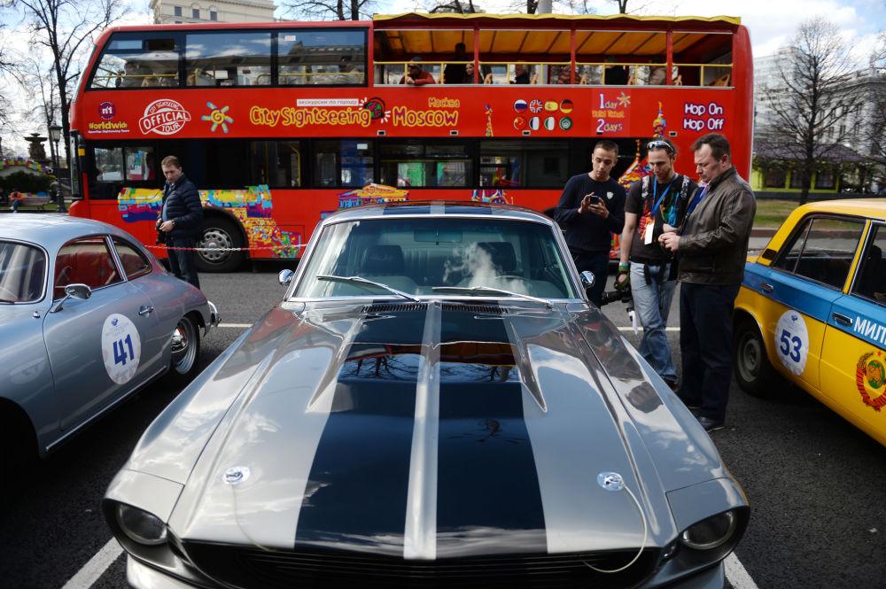 معرض للسيارات الكلاسيكية القديمة في موسكو