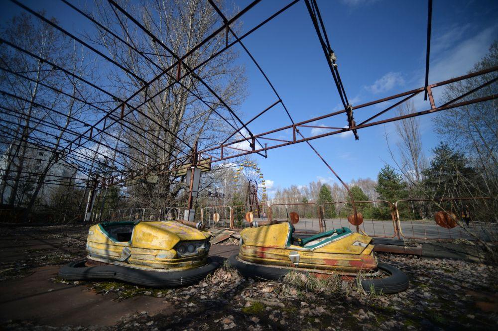 مدينة الملاهي بمدينة بريبيات، القريبة من المحطة النووية تشيرنوبيل