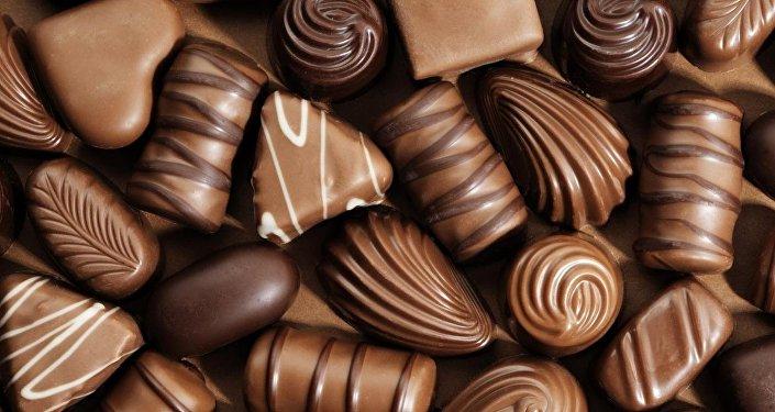 دراسة: تناول الكثير من الشوكولاتة قد يحفز الإصابة بسرطان قاتل