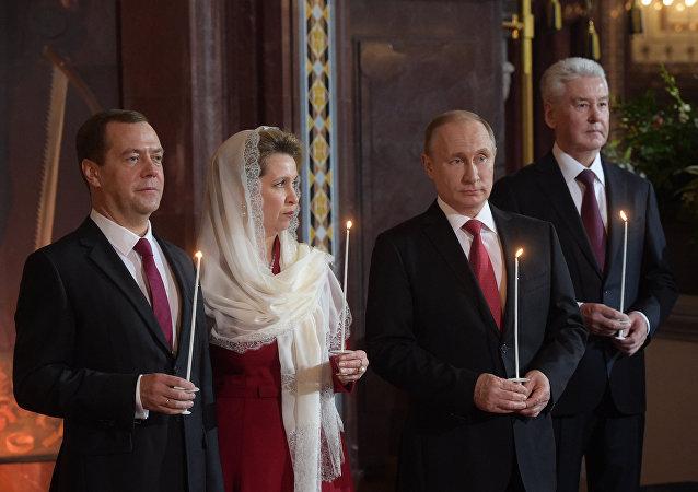 الرئيس الروسي فلاديمير بوتين في كاتدرائية المسيح المخلص في موسكو