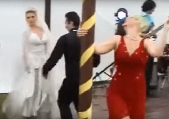 كوارث حفلات الزفاف