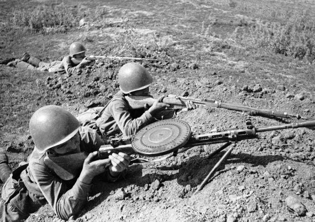 مقاتلون في مخابئ أثناء الدفاع عن أوديسا