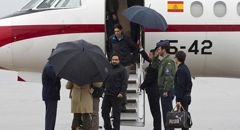 وصول 3 صحافيين إسبان كانوا مختطفين في سوريا إلى بلادهم