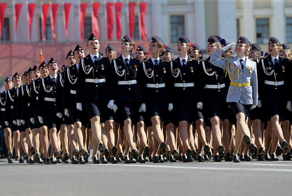 العرض العسكري بمناسبة الذكرى الـ 71 لعيد النصر (1941-1945) في مدينة سانت بطرسبرغ.