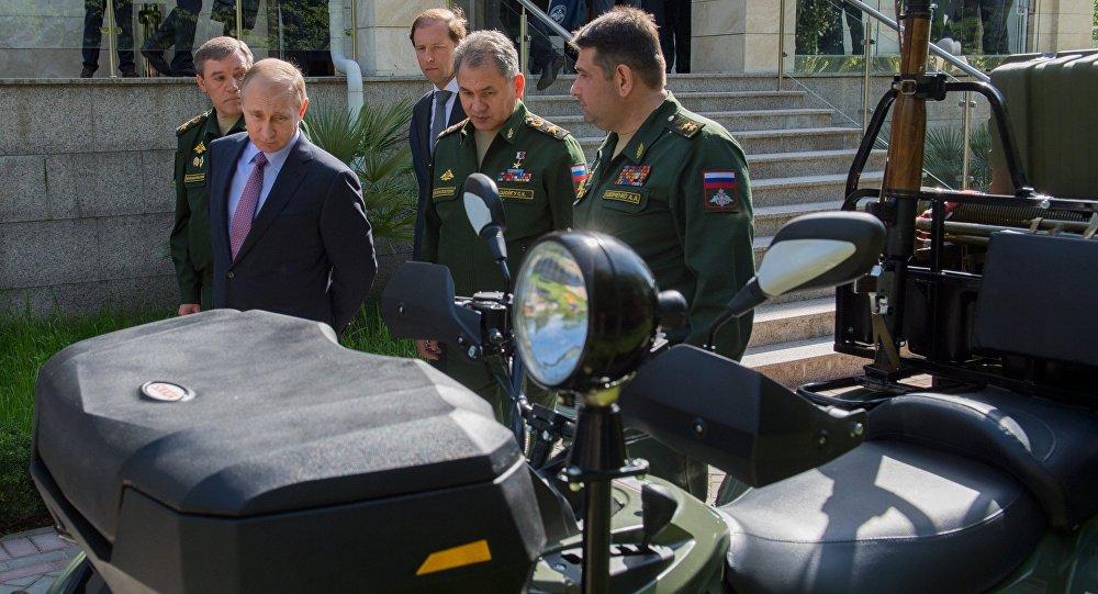 بوتين يجتمع مع قادة القوات المسلحة الروسية
