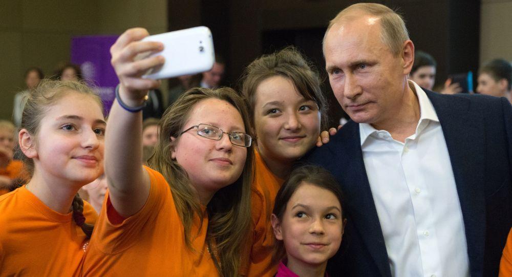 بوتين يزور مؤسسة تعليم  في سوتشي