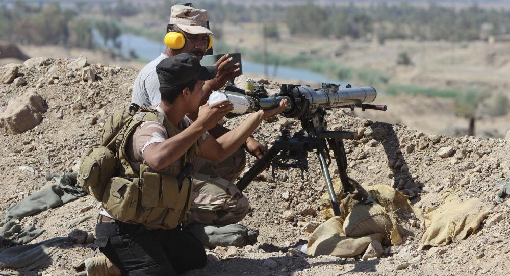 القوات العراقية تطلق النار فى الفلوجة