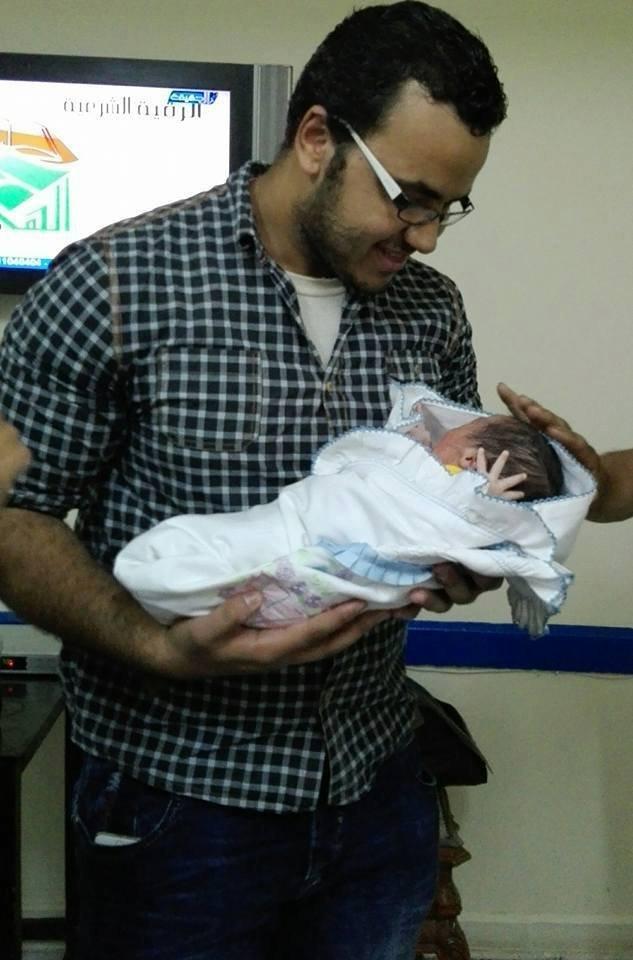 أول طفل مصري يحمل اسم بوتين