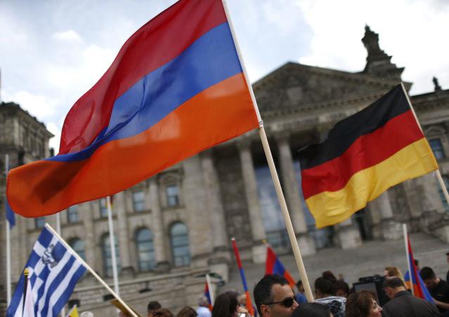 العلمان الألماني والتركي