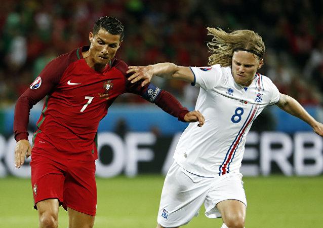 البرتغال تواجه إيسلندا في مباراة يورو 2016