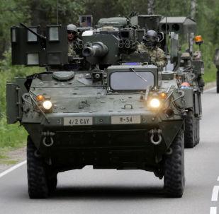 آليات مدرعة أمريكية في لاتفيا