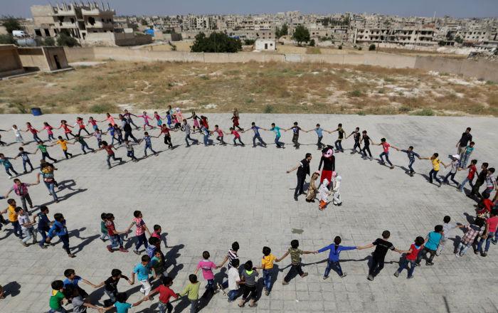 مصدر سوري: تكلفة اللباس المدرسي لأسرة لديها 3 طلاب تبلغ 30 ألف ليرة