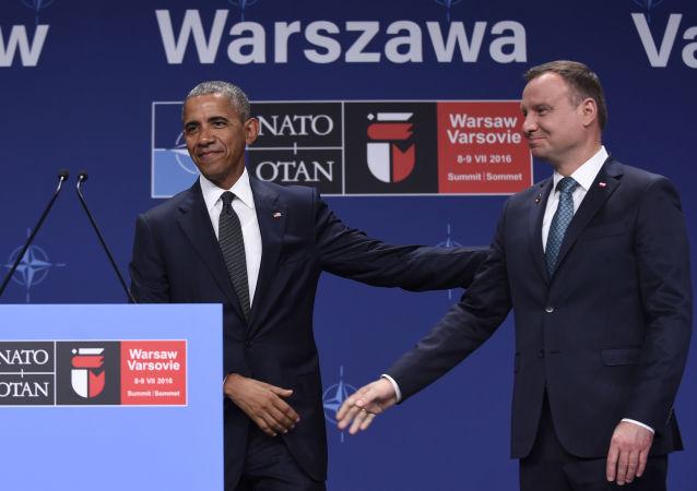 الرئيسان الأمريكي والبولندي يشاركان في اجتماع قمة الناتو المنعقد في وارسو
