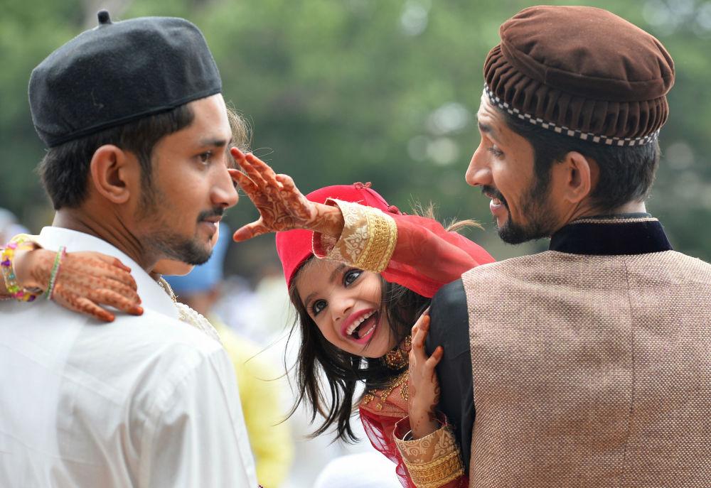 عيد الفطر في الهند إبان صلاة العيد في مدينة بنغالور بالهند، 7 يوليو\ تموز 2016