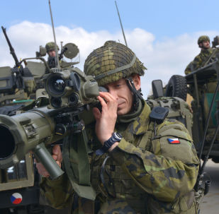 أفراد الجيش التشيكي خلال تدريب قوات الناتو