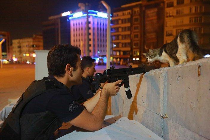 شرطيون أتراك