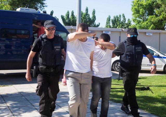 الجنود الأتراك يطلبون اللجوء في اليونان