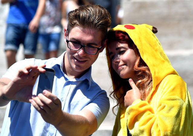 لاعبو لعبة بوكيمون-غو (Pokemon Go)