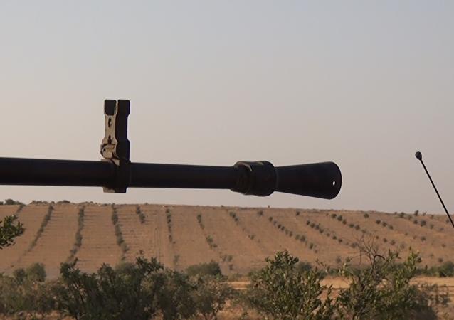 الجيش السوري يسيطر على نقاط هامة بمحور خط البترول الاستراتيجي في البادية