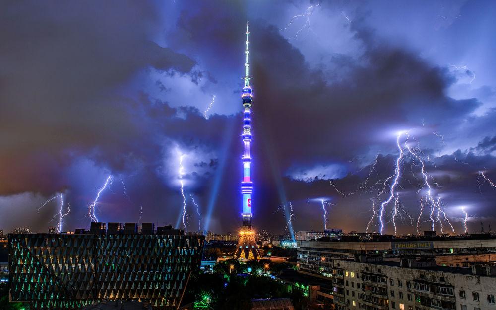 برج التلفزيون أوستانكينو في موسكو، روسيا (540.1 م)