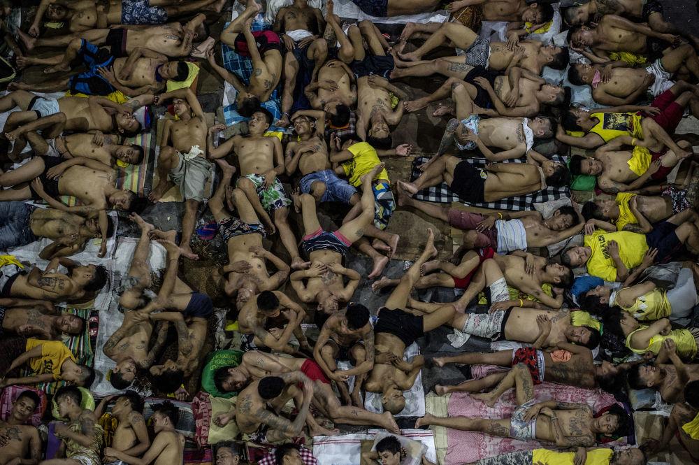 الاستراحة الليلية لسجناء كيزون-سيتي في مانيلا، 19 يوليو/ تموز 2016