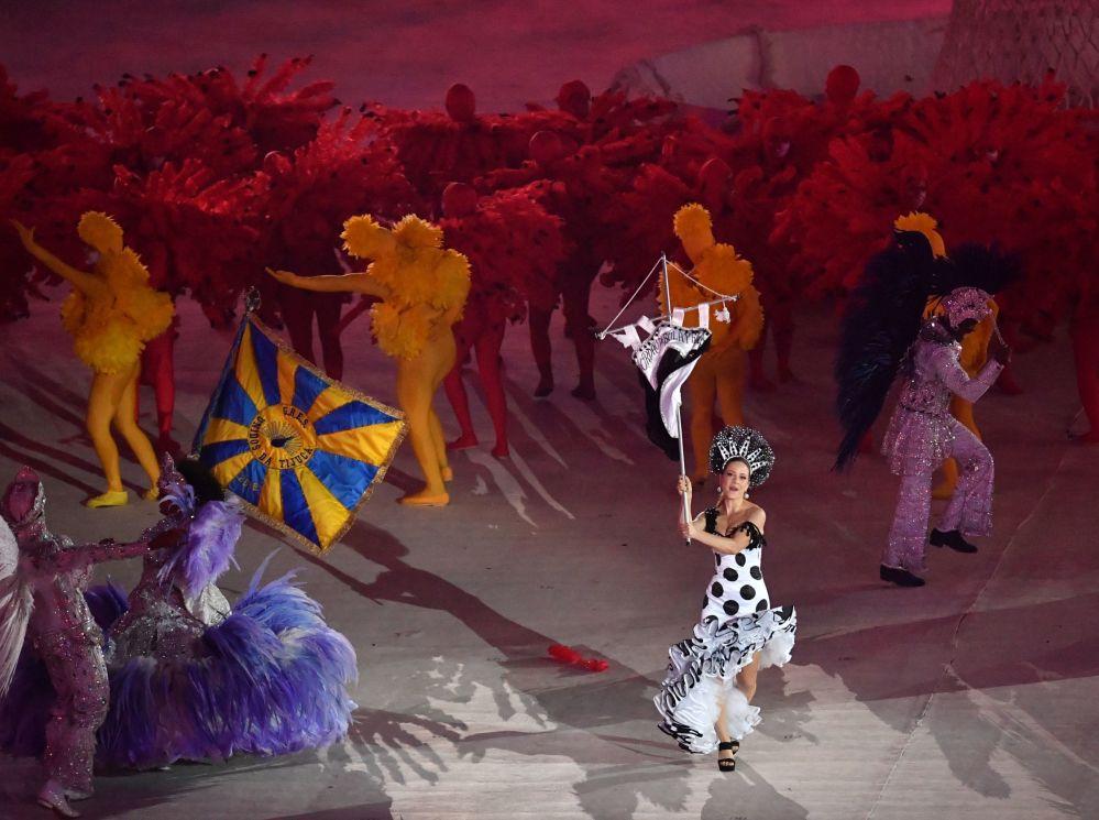 وداعاً ريو 2016 - فنانون أثناء عرض مسرحي استاد ماراكانا خلال مراسم انتهاء الألعاب الأولمبية الصيفية الـ 31 في ريو دي جانيرو، 21 أغسطس/ آب 2016