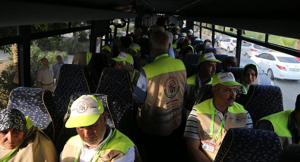 مغادرة أول فوج من حجاج غزة عبر معبر رفح